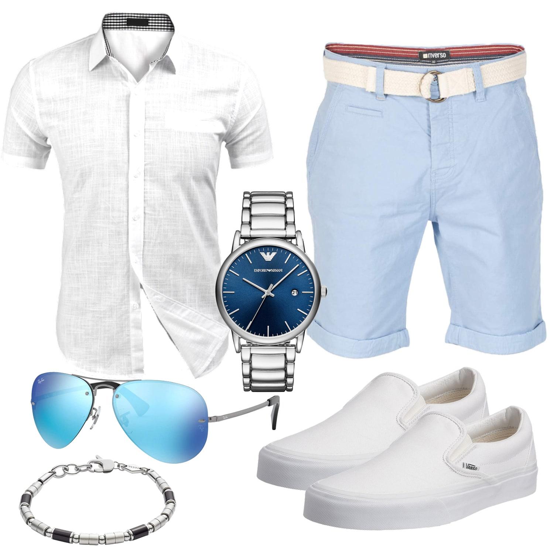 Weiss Hellblaues Herrenoutfit mit Hemd, Shorts, Uhr und Brille