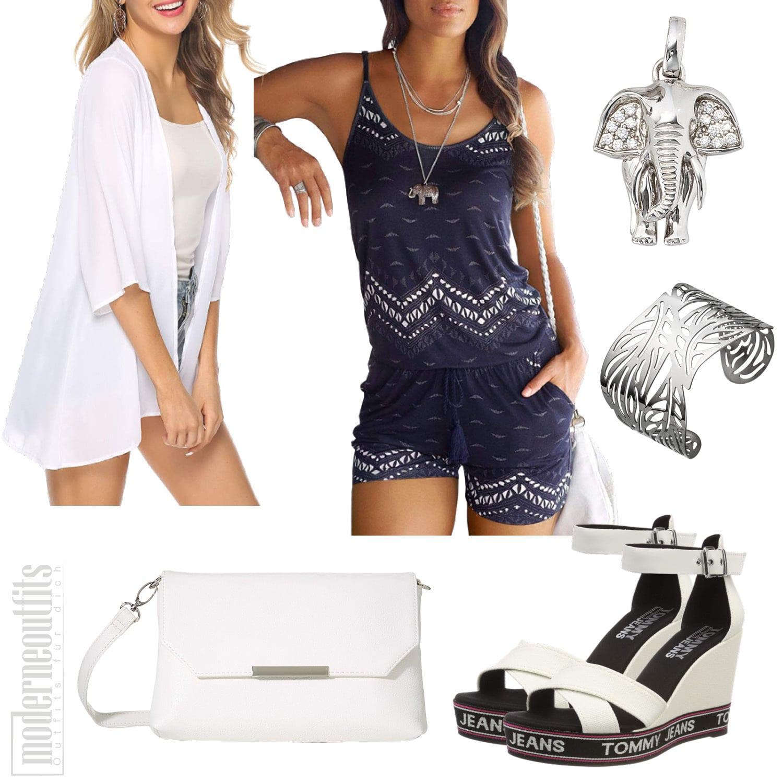 Blau Weisses Frauenoutfit für den Sommer mit Jumpsuit und Cardigan
