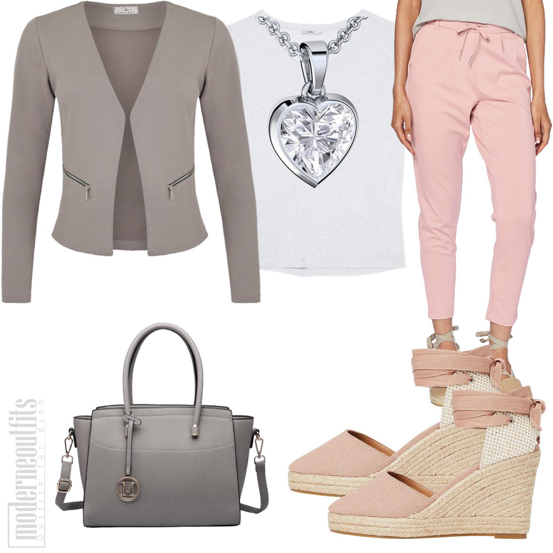 Rosa Graues Damen-Style mit Blazer und Sandaletten