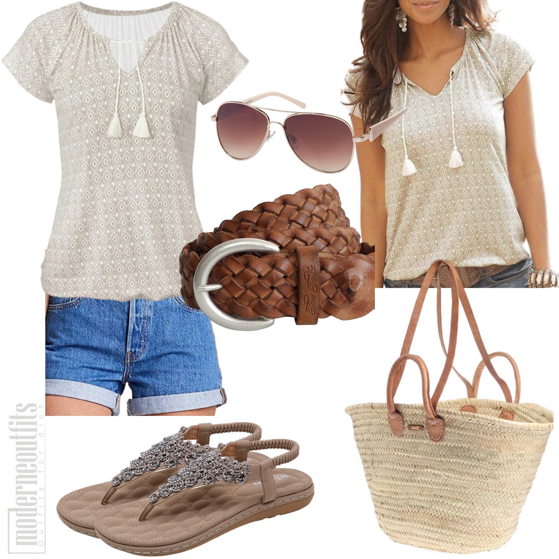 Strandoutfit für Damen mit Bluse, Shorts und Strandtasche