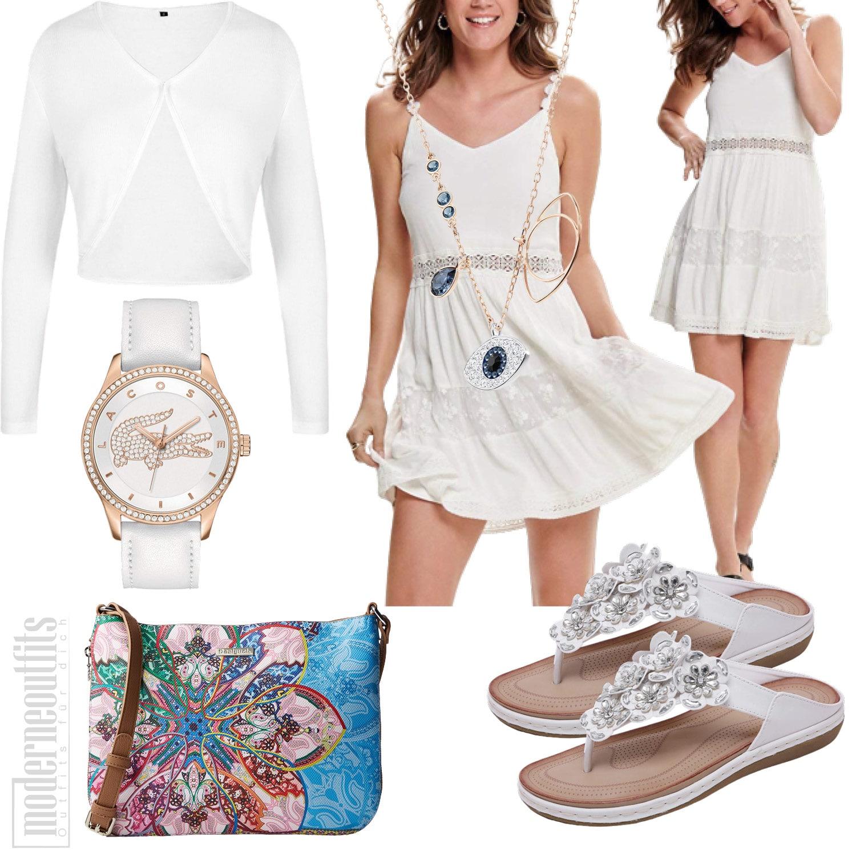 Weisses Frauenoutfit für den Sommer mit Kleid und Zehentrenner