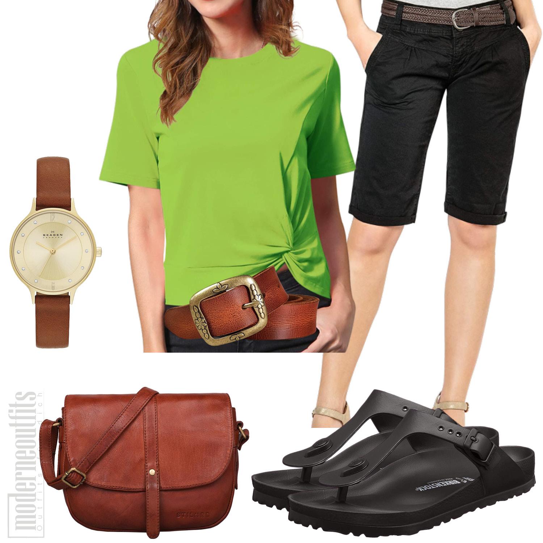 Sommeroutfit Damen mit T-Shirt, Birkenstocks und Bermuda-Shorts
