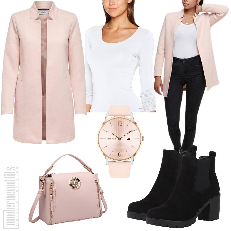 Herbst Outfit für Damen in Rosa mit Mantel und Jeans