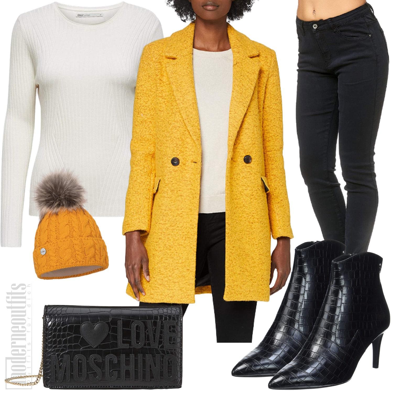 Herbst Outfit für Frauen in Gelb mit Haube und Wollmantel
